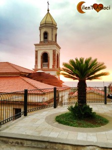 Piazza dei Caduti e campanile santuario